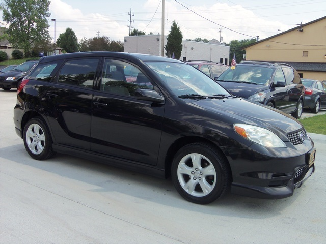 2004 toyota matrix xr for sale in cincinnati oh stock 11310. Black Bedroom Furniture Sets. Home Design Ideas