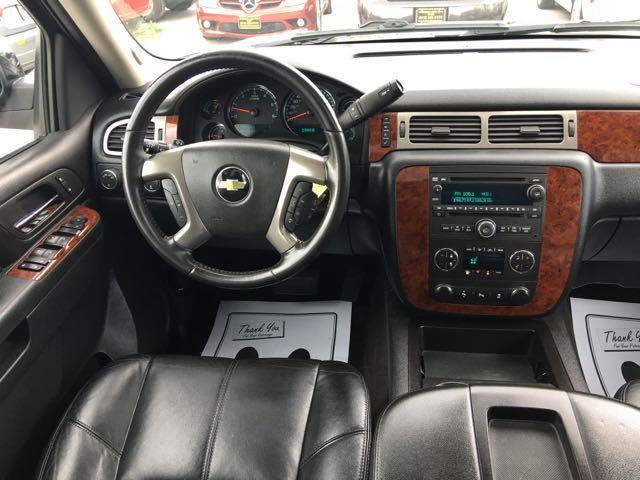 2012 Chevrolet Suburban LT 1500 - Photo 14 - Cincinnati, OH 45255