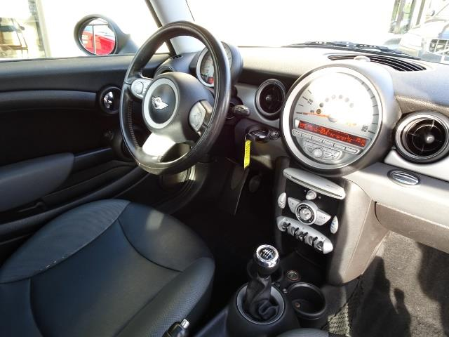 2010 Mini Cooper - Photo 12 - Cincinnati, OH 45255