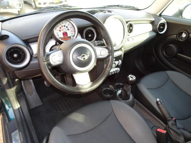 2010 Mini Cooper - Photo 6 - Cincinnati, OH 45255