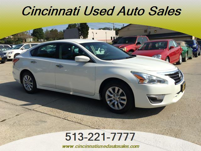 2013 Nissan Altima 2.5 S - Photo 1 - Cincinnati, OH 45255