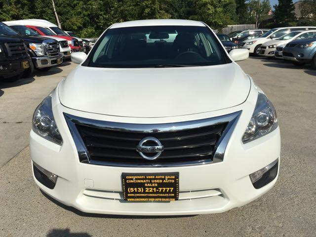 2013 Nissan Altima 2.5 S - Photo 2 - Cincinnati, OH 45255
