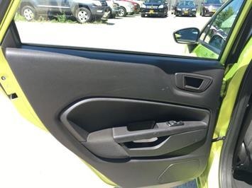2013 Ford Fiesta SE - Photo 26 - Cincinnati, OH 45255