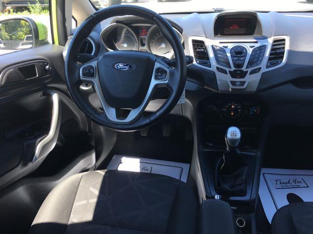 2013 Ford Fiesta SE - Photo 7 - Cincinnati, OH 45255