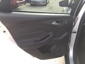 2012 Ford Focus Titanium - Photo 26 - Cincinnati, OH 45255