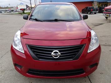 2013 Nissan Versa 1.6 SV - Photo 2 - Cincinnati, OH 45255