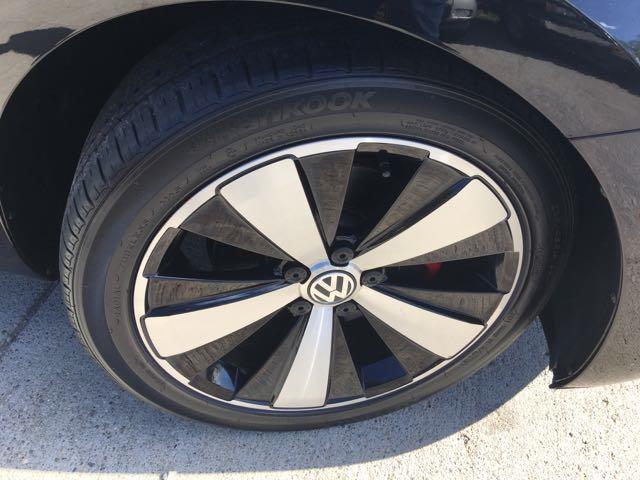 2014 Volkswagen Beetle-Classic R-Line PZEV - Photo 28 - Cincinnati, OH 45255