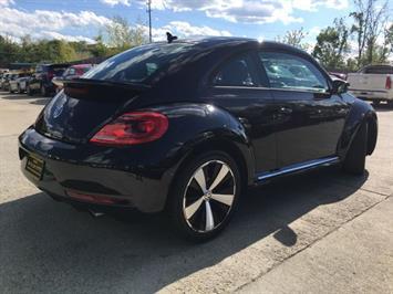 2014 Volkswagen Beetle-Classic R-Line PZEV - Photo 13 - Cincinnati, OH 45255