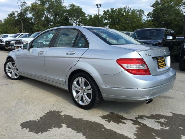 2011 Mercedes-Benz C 300 Sport 4MATIC - Photo 12 - Cincinnati, OH 45255