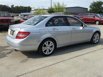 2011 Mercedes-Benz C 300 Sport 4MATIC - Photo 6 - Cincinnati, OH 45255