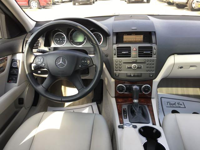 2011 Mercedes-Benz C 300 Sport 4MATIC - Photo 7 - Cincinnati, OH 45255