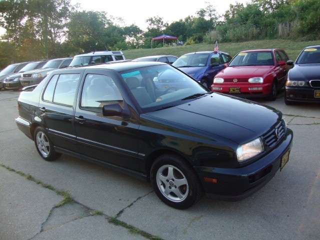 1999 volkswagen jetta wolfsburg for sale in cincinnati oh. Black Bedroom Furniture Sets. Home Design Ideas
