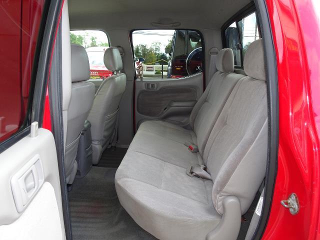 2004 Toyota Tacoma V6 4dr Double Cab - Photo 8 - Cincinnati, OH 45255