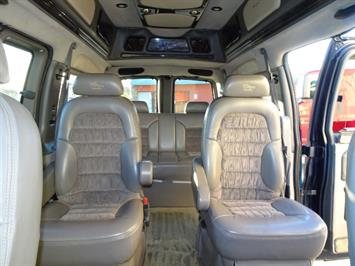 2005 Chevrolet Express Southern Comfort - Photo 13 - Cincinnati, OH 45255