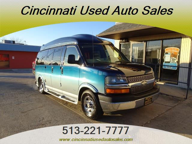 2005 Chevrolet Express Southern Comfort - Photo 1 - Cincinnati, OH 45255