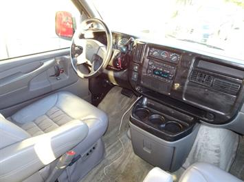 2005 Chevrolet Express Southern Comfort - Photo 11 - Cincinnati, OH 45255
