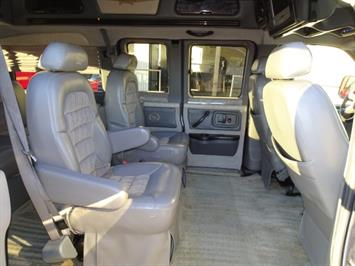 2005 Chevrolet Express Southern Comfort - Photo 24 - Cincinnati, OH 45255