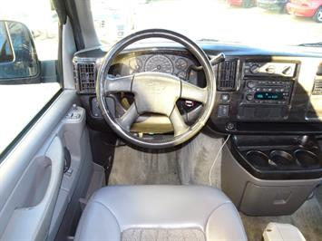 2005 Chevrolet Express Southern Comfort - Photo 5 - Cincinnati, OH 45255
