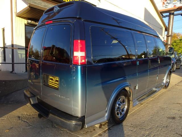 2005 Chevrolet Express Southern Comfort - Photo 3 - Cincinnati, OH 45255