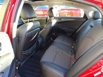 2011 Hyundai Sonata SE 2.0T - Photo 8 - Cincinnati, OH 45255
