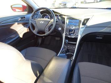2011 Hyundai Sonata SE 2.0T - Photo 12 - Cincinnati, OH 45255
