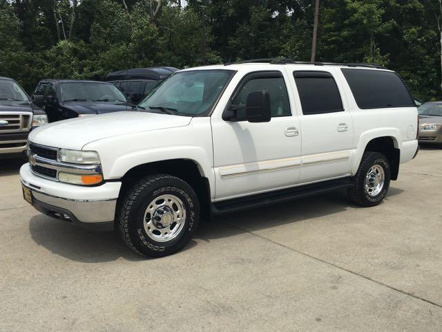 2005 Chevrolet Suburban 2500 LT - Photo 3 - Cincinnati, OH 45255