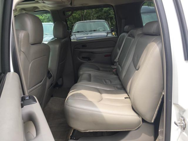 2005 Chevrolet Suburban 2500 LT - Photo 17 - Cincinnati, OH 45255
