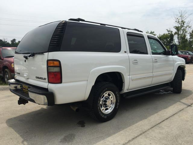 2005 Chevrolet Suburban 2500 LT - Photo 13 - Cincinnati, OH 45255
