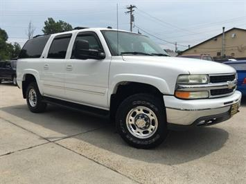 2005 Chevrolet Suburban 2500 LT - Photo 10 - Cincinnati, OH 45255