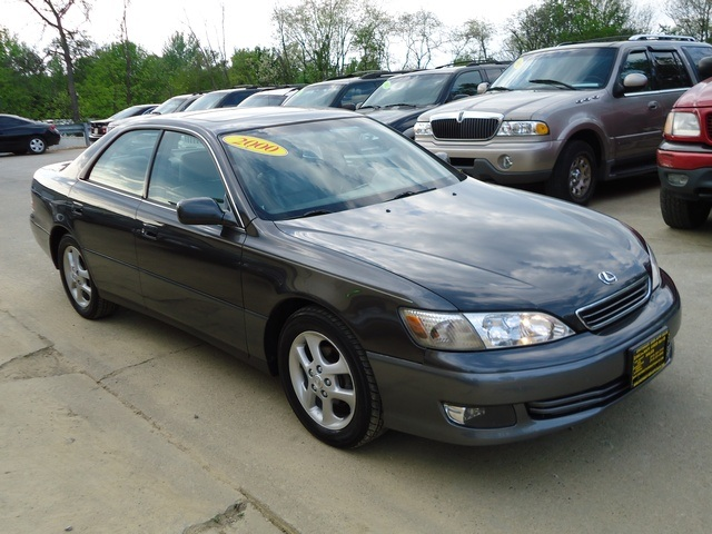 2000 Lexus ES 300 for sale in Cincinnati, OH | Stock #: 10940