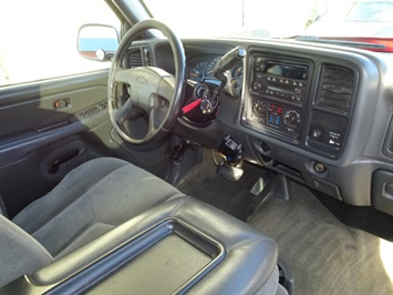 2006 Chevrolet Silverado 2500 LS LS 2dr Regular Cab - Photo 6 - Cincinnati, OH 45255
