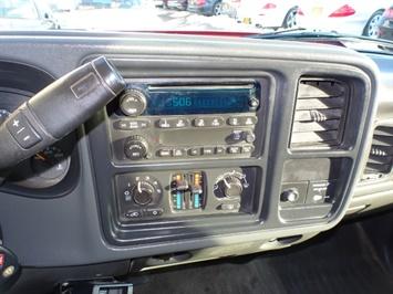 2006 Chevrolet Silverado 2500 LS LS 2dr Regular Cab - Photo 17 - Cincinnati, OH 45255