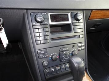 2006 Volvo XC90 V8 - Photo 19 - Cincinnati, OH 45255
