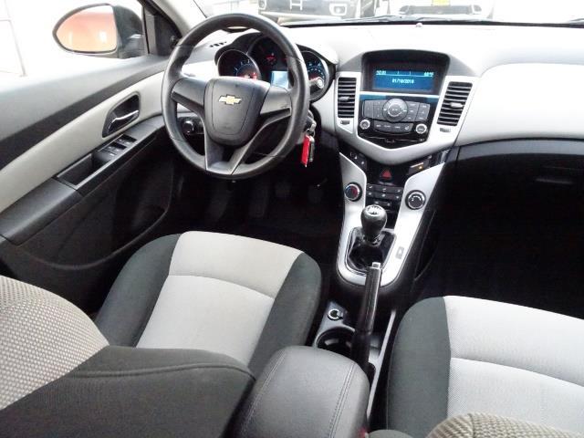 2011 Chevrolet Cruze LS - Photo 12 - Cincinnati, OH 45255
