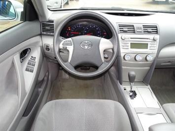 2011 Toyota Camry LE - Photo 6 - Cincinnati, OH 45255
