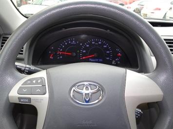 2011 Toyota Camry LE - Photo 15 - Cincinnati, OH 45255