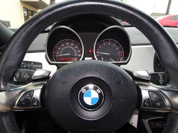 2006 BMW Z4 3.0i - Photo 14 - Cincinnati, OH 45255