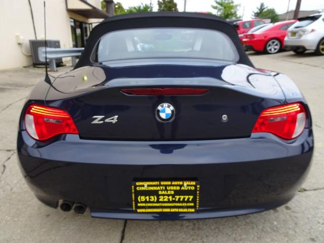 2006 BMW Z4 3.0i - Photo 4 - Cincinnati, OH 45255
