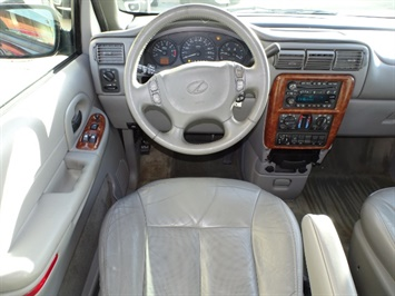 2002 Oldsmobile Silhouette GLS - Photo 6 - Cincinnati, OH 45255