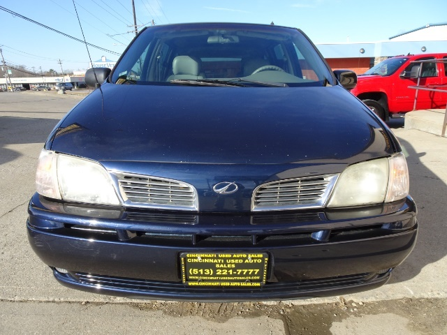 2002 Oldsmobile Silhouette GLS - Photo 2 - Cincinnati, OH 45255