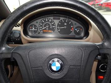 1997 BMW Z3 1.9 - Photo 16 - Cincinnati, OH 45255