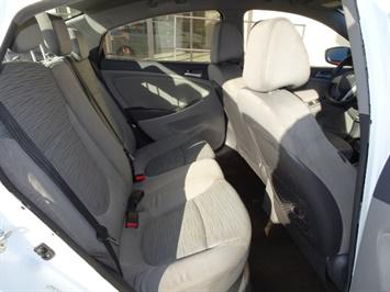 2016 Hyundai Accent SE - Photo 14 - Cincinnati, OH 45255