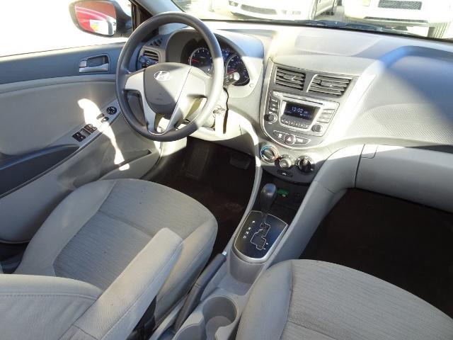 2016 Hyundai Accent SE - Photo 12 - Cincinnati, OH 45255