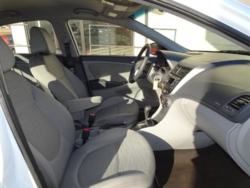 2016 Hyundai Accent SE - Photo 13 - Cincinnati, OH 45255