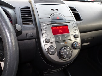 2011 Kia Soul + - Photo 17 - Cincinnati, OH 45255