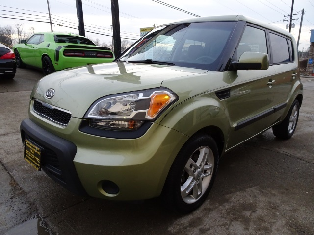 2011 Kia Soul + - Photo 9 - Cincinnati, OH 45255