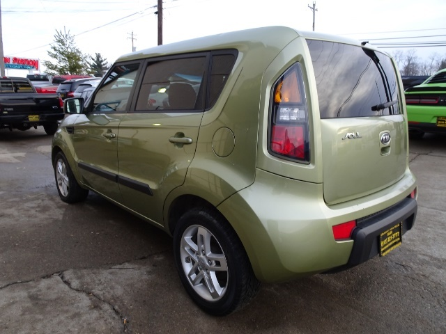 2011 Kia Soul + - Photo 11 - Cincinnati, OH 45255