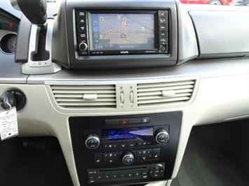 2009 Volkswagen Routan SEL Premium CARB - Photo 17 - Cincinnati, OH 45255