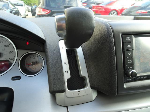 2009 Volkswagen Routan SEL Premium CARB - Photo 19 - Cincinnati, OH 45255