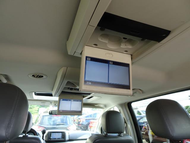 2009 Volkswagen Routan SEL Premium CARB - Photo 18 - Cincinnati, OH 45255